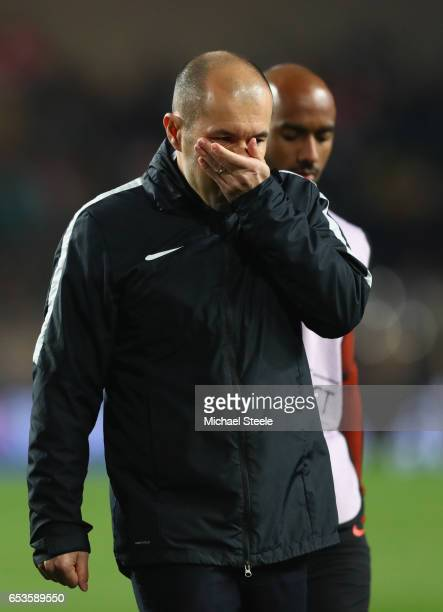 Leonardo Jardim head coach of AS Monaco looks on at half time during the UEFA Champions League Round of 16 second leg match between AS Monaco and...