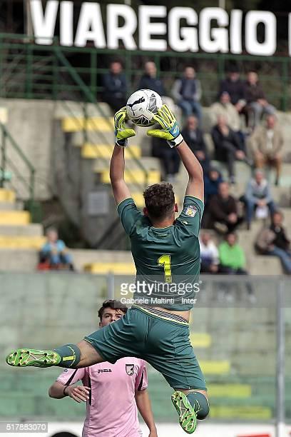 Leonardo Marson of US Citta di Palermo in action during the Viareggio Juvenile Tournament match between FC Internazionale and US Citta di Palermo on...