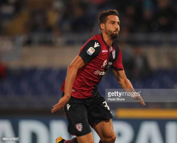 Leonardo Pavoletti of Cagliari Calcio in action during the Serie A match between SS Lazio and Cagliari Calcio at Stadio Olimpico on October 22 2017...