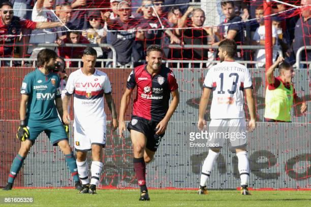 Leonardo Pavoletti of Cagliari celebrates scoring his team's first goal during the Serie A match between Cagliari Calcio and Genoa CFC at Stadio...