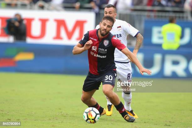 Leonardo Pavoletti of Cagliari in action during the Serie A match between Cagliari Calcio and FC Crotone at Stadio Sant'Elia on September 10 2017 in...