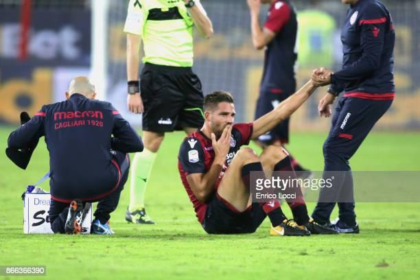 Leonardo Pavoletti of Cagliari injured during the Serie A match between Cagliari Calcio and Benevento Calcio at Stadio Sant'Elia on October 25 2017...