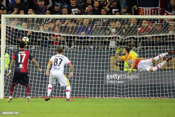 Leonardo Pavoletti of Cagliari scores his goal 21 during the Serie A match between Cagliari Calcio and Benevento Calcio at Stadio Sant'Elia on...