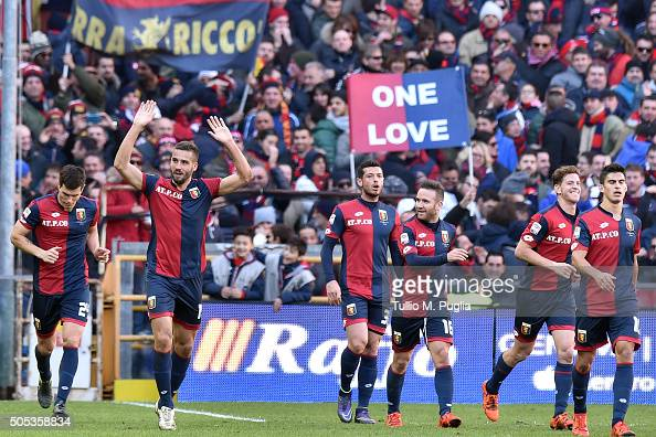 Leonardo Pavoletti of Genoa celebrates after scoring this team's fourth goal during the Serie A match between Genoa CFC and US Citta di Palermo at...