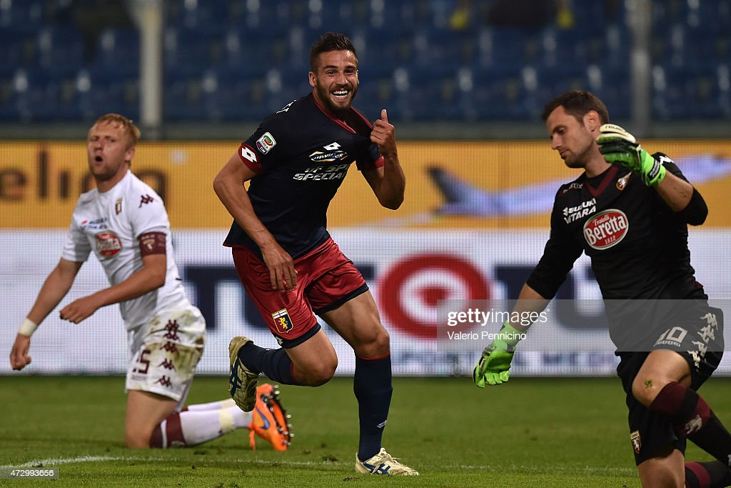 Leonardo Pavoletti of Genoa CFC celebrates a goal during the Serie A match between Genoa CFC and Torino FC at Stadio Luigi Ferraris on May 11 2015 in...