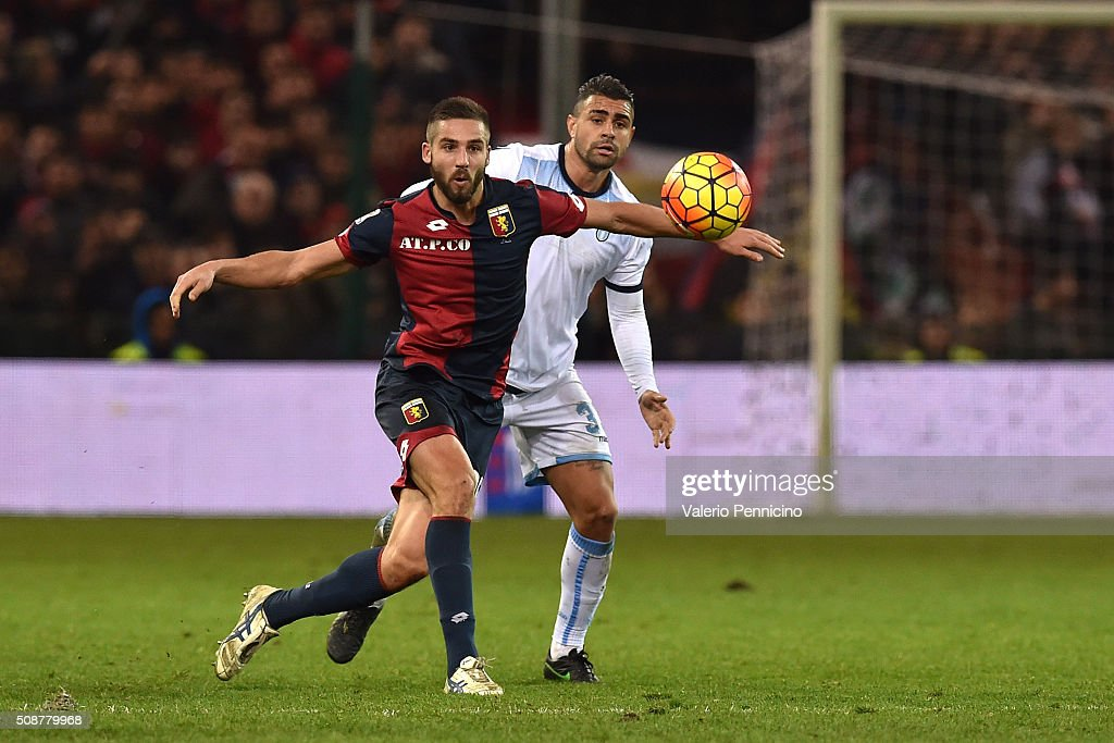 Leonardo Pavoletti (L) of Genoa CFC is challenged by <a gi-track='captionPersonalityLinkClicked' href=/galleries/search?phrase=Mauricio+Dos+Santos+Nascimento&family=editorial&specificpeople=13668402 ng-click='$event.stopPropagation()'>Mauricio Dos Santos Nascimento</a> of SS Lazio during the Serie A match between Genoa CFC and SS Lazio at Stadio Luigi Ferraris on February 6, 2016 in Genoa, Italy.