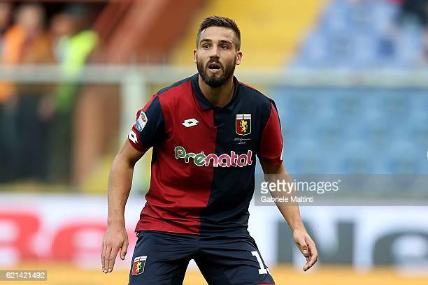 Leonardo Pavoletti of Genoa CFC reacts during the Serie A match between Genoa CFC and Udinese Calcio at Stadio Luigi Ferraris on November 6 2016 in...