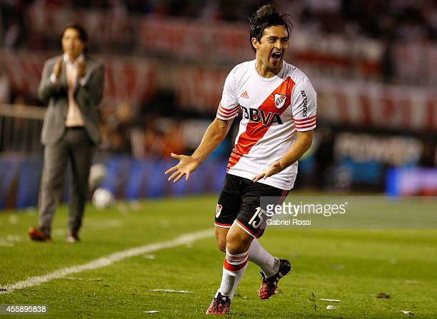 Leonardo Pisculichi of River Plate celebrates after scoring the first goal of his team during a match between River Plate and Independiente as part...
