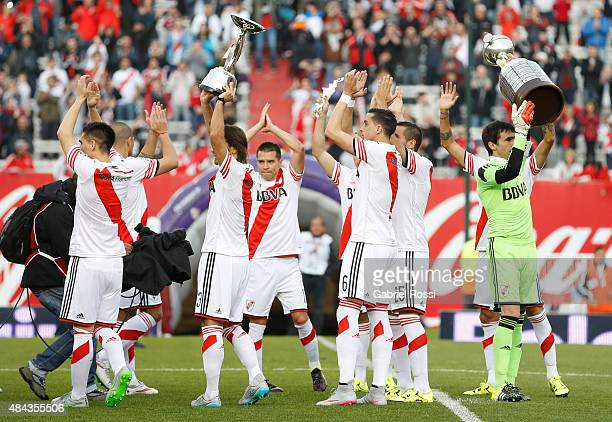 Leonardo Ponzio and Marcelo Barovero goalkeeper of River Plate greet fans as they raise Copa Bridgestone Libertadores 2015 and Suruga Bank 2015...