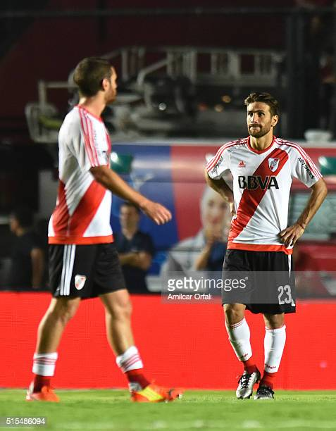 Leonardo Ponzio of River Plate looks dejected after a match between Colon and River Plate as part of Torneo de Transicion 2016 at Brigadier Lopez...
