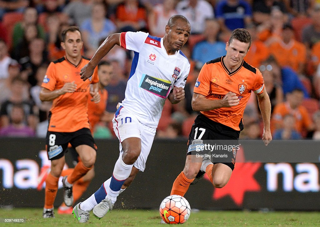 Leonardo Santiago of the Jets breaks away from the defence during the round 19 A-League match between the Brisbane Roar and the Newcastle Jets at Suncorp Stadium on February 12, 2016 in Brisbane, Australia.
