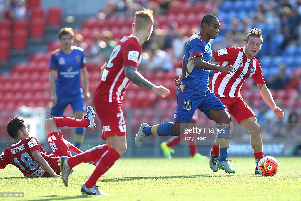 Leonardo Santiago of the Jets controls the ball during the round 18 A-League match between the Newcastle Jets and Melbourne City FC at Hunter Stadium on February 7, 2016 in Newcastle, Australia.