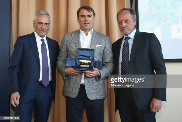 Leonardo Semplici receives the Panchina D'Oro Prize by Renzo Ulivieri and Gabriele Gravina during Italian Football Federation 'Panchine D'Oro E...