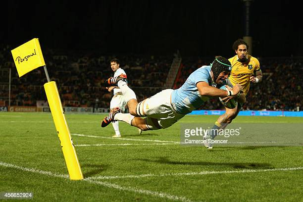 Leonardo Senatore of the Pumas scores a try during The Rugby Championship match between Argentina and the Australian Wallabies at Estadio Malvinas...