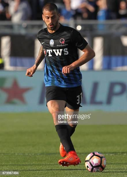 Leonardo Spinazzola of Atalanta BC in action during the Serie A match between Atalanta BC and Bologna FC at Stadio Atleti Azzurri d'Italia on April...