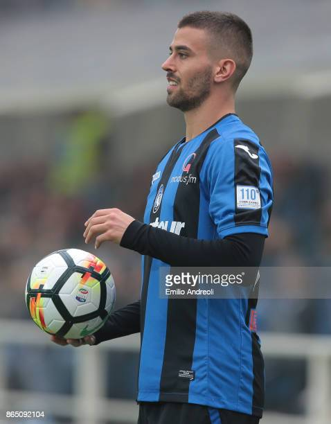 Leonardo Spinazzola of Atalanta BC looks on during the Serie A match between Atalanta BC and Bologna FC at Stadio Atleti Azzurri d'Italia on October...