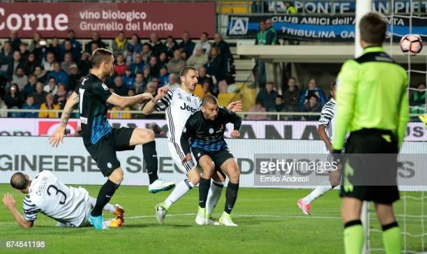 Leonardo Spinazzola of Atalanta BC scores an own goal during the Serie A match between Atalanta BC and Juventus FC at Stadio Atleti Azzurri d'Italia...