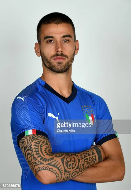 Leonardo Spinazzola of Italy poses during the official portrait session at Coverciano on November 6 2017 in Florence Italy