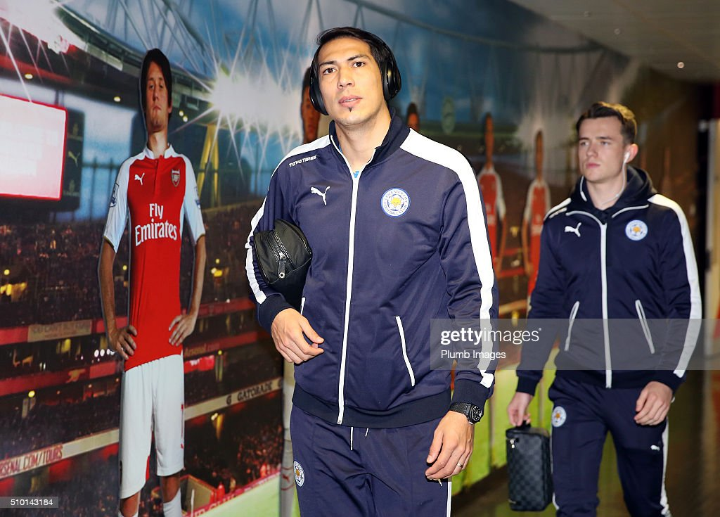 <a gi-track='captionPersonalityLinkClicked' href=/galleries/search?phrase=Leonardo+Ulloa&family=editorial&specificpeople=7433674 ng-click='$event.stopPropagation()'>Leonardo Ulloa</a> of Leicester City arrives at Emirates Stadium ahead of the Barclays Premier League match between Arsenal and Leicester City at Emirates Stadium on February 14, 2016 in London, United Kingdom.