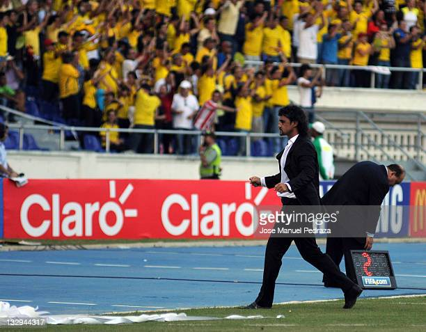 Leonel Alvarez coach of colombia celebrates the first goal of colombia during a match between Colombia and Argentina as part of the fourth round of...