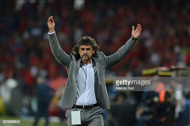 Leonel Alvarez coach of Medellin reacts during a first leg match between Independiente Medellin and Atletico Nacional as part of Semi Finals of Liga...