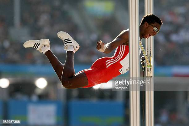 Leonel Suarez of Cuba during the pole vault of the men's decathlon at the 2009 IAAF world Athletics Championships at the Olympic Stadium in Berlin...