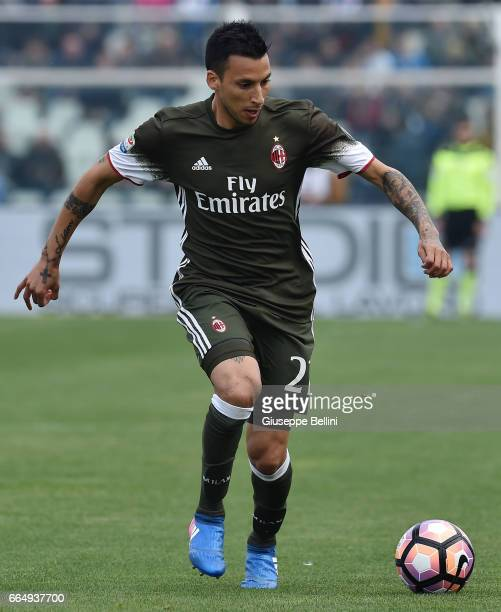 Leonel Vangioni of AC Milan in action during the Serie A match between Pescara Calcio and AC Milan at Adriatico Stadium on April 2 2017 in Pescara...