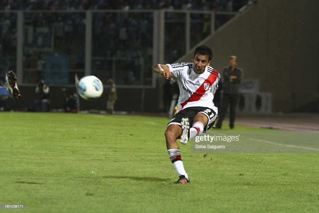 Leonel Vangioni of River kicks the ball during the match between Belgrano and River for the Torneo Final 2013 on February 10, 2013 in Cordoba, Argentina.