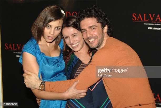 Leonor Watling Ingrid Rubio and Leonardo Sbaraglia