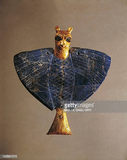 Leontocephalic eagle in gold lapis lazuli copper and pitch Artefact from Mari archeological site Syria Sumerian civilization 3rd Millennium BC...