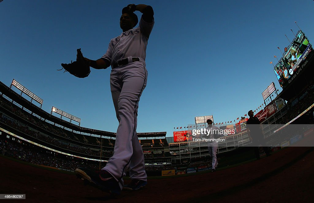 Leonys Martin #2 of the Texas Rangers returns to the dugout after closing out the top of the fourth inning against the Baltimore Orioles at Globe Life Park in Arlington on June 3, 2014 in Arlington, Texas.