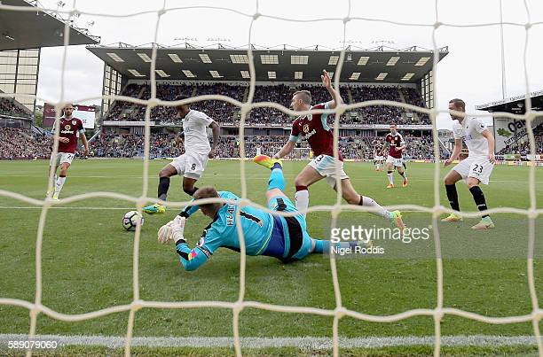 Leroy Fer of Swansea City scores his sides first goal past Thomas Heaton of Burnley during the Premier League match between Burnley and Swansea City...