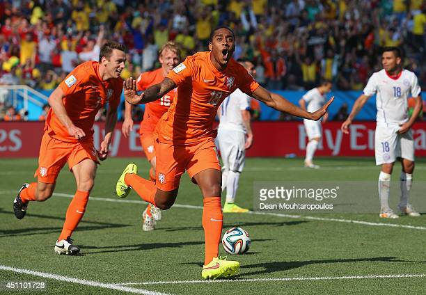 Leroy Fer of the Netherlands celebrates scoring his team's first goal during the 2014 FIFA World Cup Brazil Group B match between the Netherlands and...