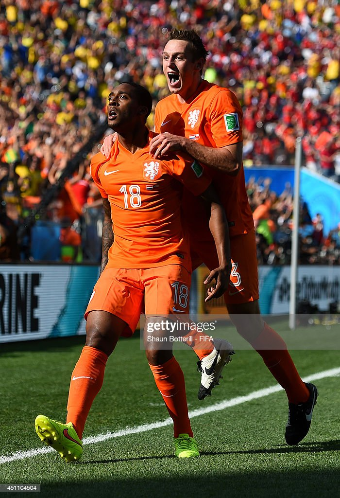 Netherlands v Chile: Group B - 2014 FIFA World Cup Brazil