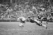 Leroy Kelly Cleveland running back grabs a low pass from quarterback Mike Phipps in the 4th quarter picking up a first down Jack Ham linebacker for...