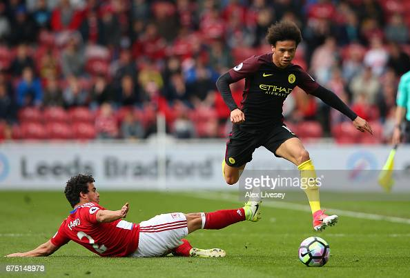 http://media.gettyimages.com/photos/leroy-sane-of-manchester-city-escapes-a-challenge-from-fabio-da-silva-picture-id675148978?s=594x594