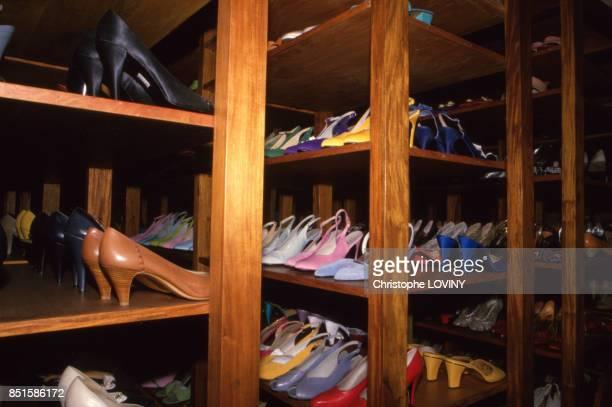 Les 3500 paires de chaussures d'Imelda Marcos aux Philippines en juin 1987