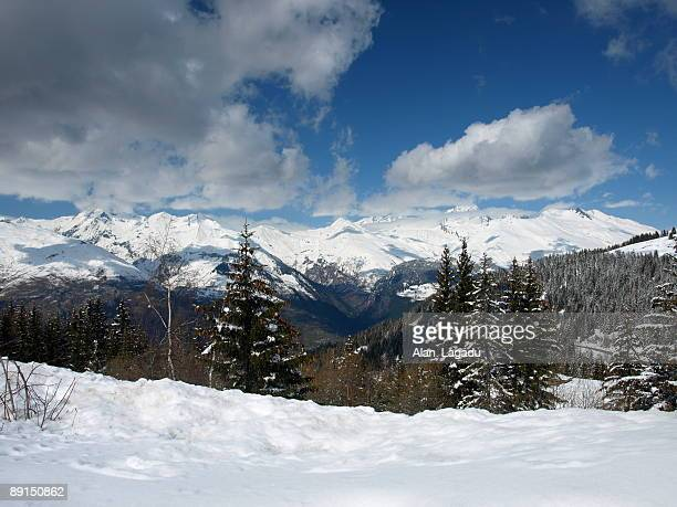 Les arcs stock photos and pictures getty images for Bourg st maurice piscine
