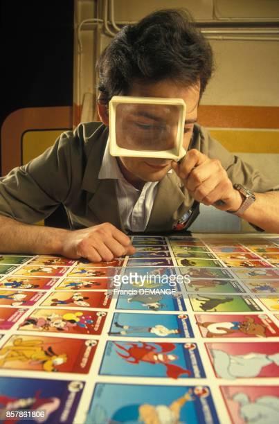 Les cartes à jouer sont controlees avant d'etre decoupees France