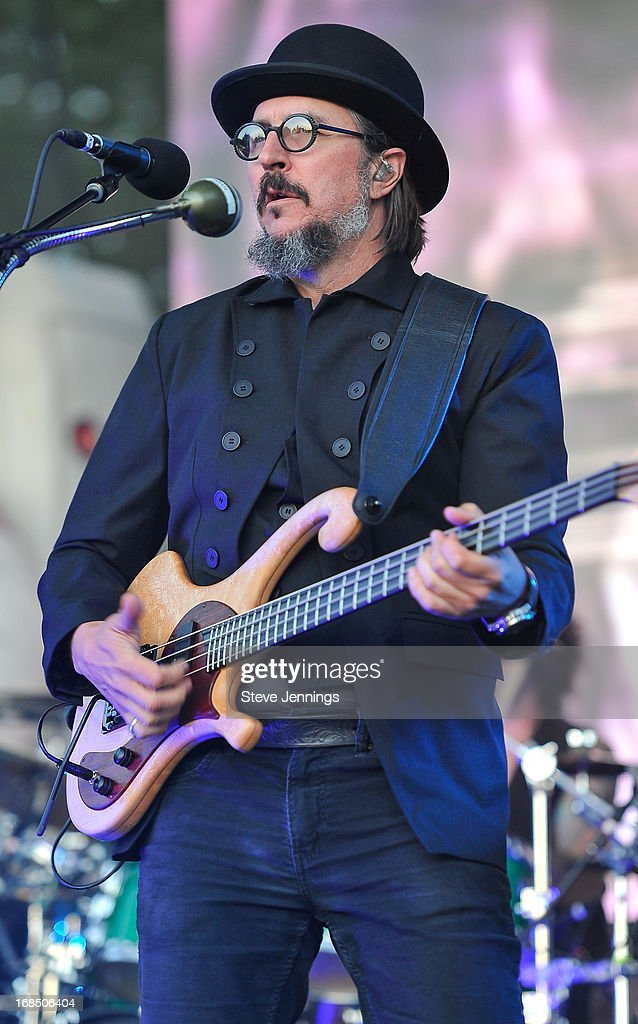 <a gi-track='captionPersonalityLinkClicked' href=/galleries/search?phrase=Les+Claypool&family=editorial&specificpeople=2133154 ng-click='$event.stopPropagation()'>Les Claypool</a> of Primus performs on Day 1 of the BottleRock Napa Valley Festival at Napa Valley Expo on May 9, 2013 in Napa, California.