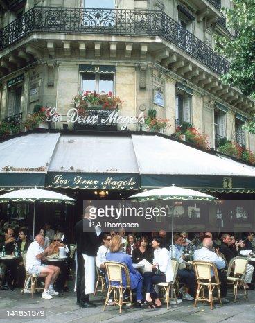 Les Deux Magots cafe, Paris, France : Stock Photo