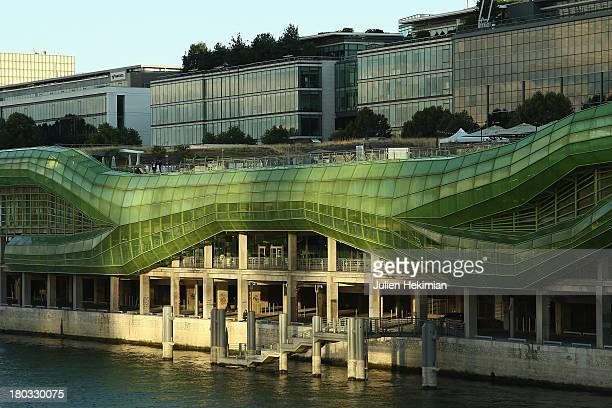 Fashion mode stock photos and pictures getty images for Les docks du meuble