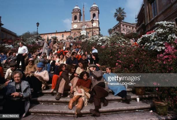 Les escaliers de la Piazza di Spagna et l'église de la TrinitédesMonts en 1979 à Rome en Italie