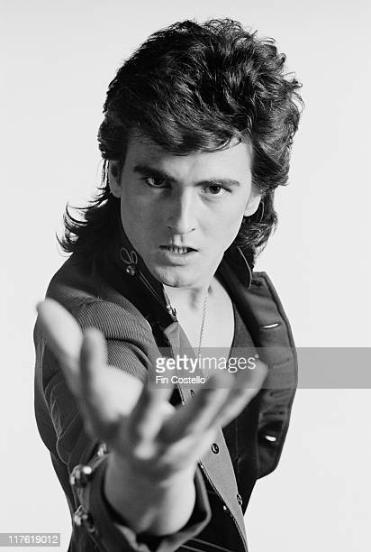 Les McKeown British pop singer poses with one hand extended toward the camera in a studio portrait March 1979 McKeown is formerly the lead singer...