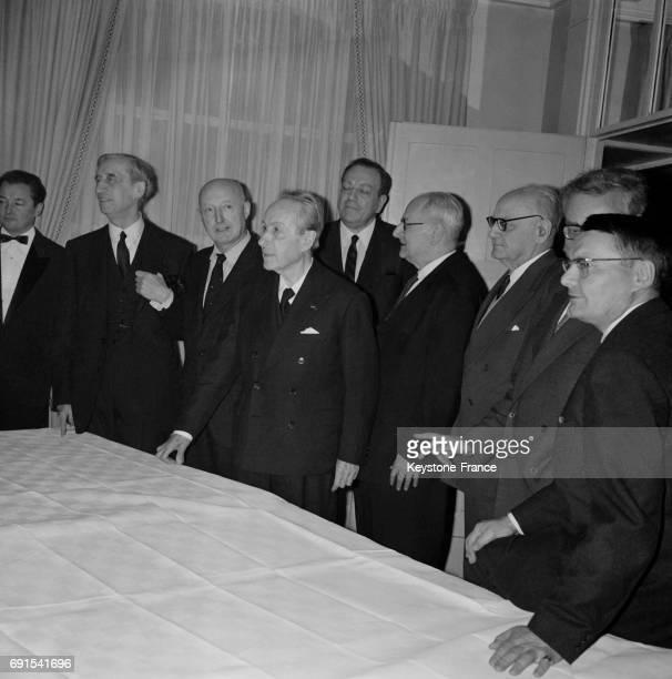 Les membres du jury de l'Académie Goncourt avant l'attribution du prix Gérard Bauer Armand Salacrou Philippe Hériat Roland Dorgelès Arnoux André...