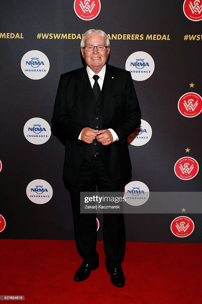 <a gi-track='captionPersonalityLinkClicked' href=/galleries/search?phrase=Les+Murray&family=editorial&specificpeople=2666385 ng-click='$event.stopPropagation()'>Les Murray</a> arrives during the 2016 Western Sydney Wanderers Awards at Qudos Bank Arena on May 3, 2016 in Sydney, Australia.