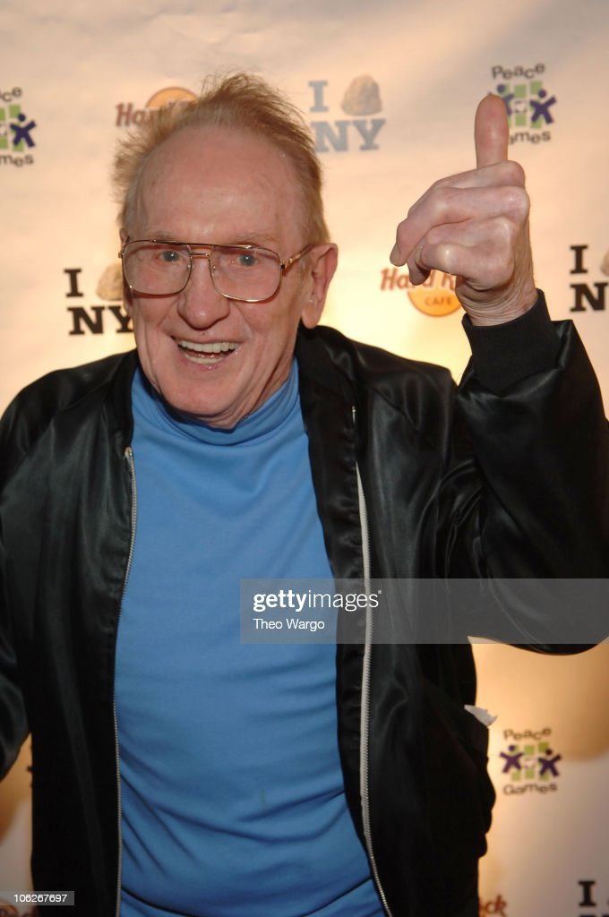 Les Paul during Grand Opening of The Hard Rock Cafe in Times Square at Hard Rock Cafe - Times Square in New York City, New York, United States.
