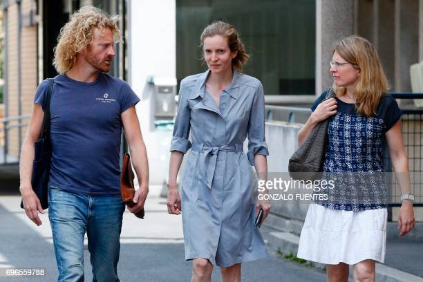 TOPSHOT Les Republicains party candidate Nathalie KosciuskoMorizet flanked by her brother Pierre and sister Caroline leaves the hospital in Paris on...