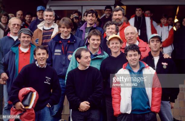 Les skippers sur la ligne de départ de la course à la voile du 'Vendée Globe Challenge' dont Philippe Poupon Loick Peyron Alain Gautier Bernard...