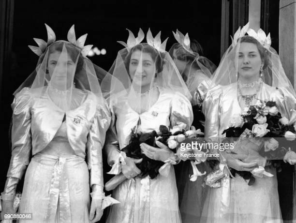 Les soeurs du roi Zog Ier d'Albanie lors du mariage de leur frère Zog Ier d'Albanie avec Géraldine Apponyi à Tirana Albanie le 27 avril 1938